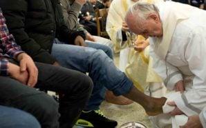 Papa Francesco a Paliano tra i detenuti per la lavanda…