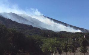 Nuovo inferno sul Vesuvio: Situazione critica, ecco tutti gli aggiornamenti