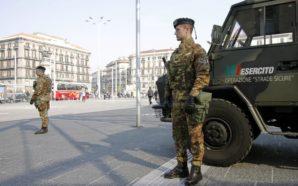 Napoli, Militari dell'esercito accerchiati e aggrediti da extracomunitari (VIDEO)