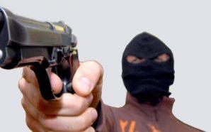 Area Nolana: banditi rapinano due bar-tabacchi con fucili a pompa