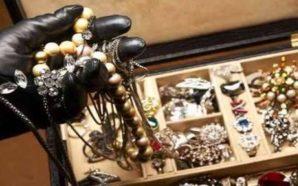 Boscoreale, malviventi rapinano gioielleria. Bottino di 20mila euro