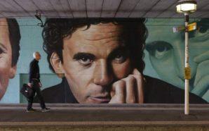 Napoli ricorda Troisi: appuntamento in Piazza Plebiscito