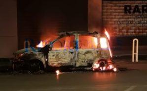 Spavento a San Giuseppe Vesuviano: auto prende fuoco in strada
