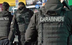 Scoperta piazza di spaccio a Napoli: dodici arresti