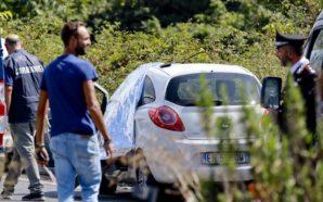 Napoli, ritrovato cadavere all'interno di un'auto nel quartiere di Scampia