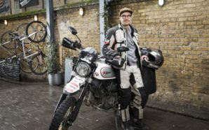 Ventiduenne gira il mondo in solitaria con una Ducati