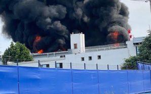 Scoppio di una fabbrica. Ad Ottaviano una grande nube nera…