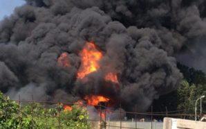 Scafati: un incendio di ingenti dimensioni devasta una fabbrica di…