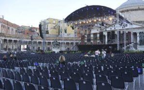 """La Tosca a Napoli: """"Prove Aperte"""" in Piazza Plebiscito"""